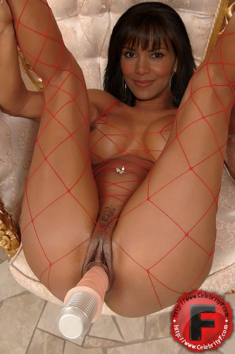 fake halle berry nude pictures. CELEBRITY F - Halle Berry fakes